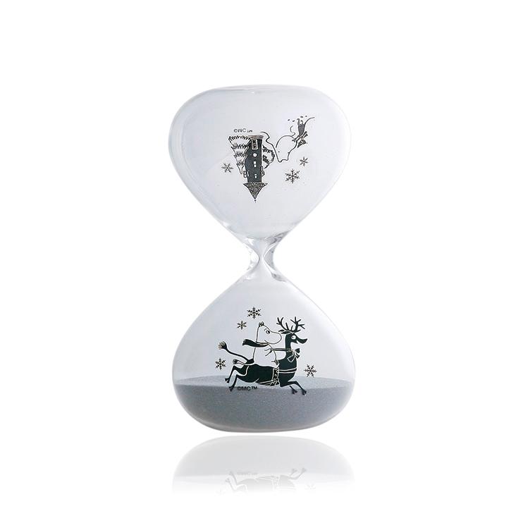 インテリアも冬仕様に。ムーミンの砂時計にスノーバージョンが登場