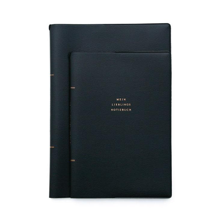 普段づかいに適した落ち着いた雰囲気のノートカバー