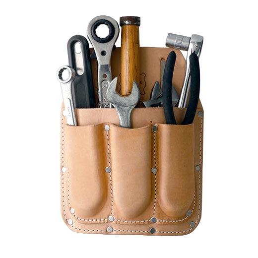 豊富なポケットで機能的に使えるツールポーチ