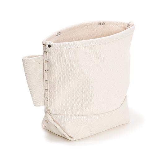 がっしり厚手の素材でタフに使える多目的バッグ