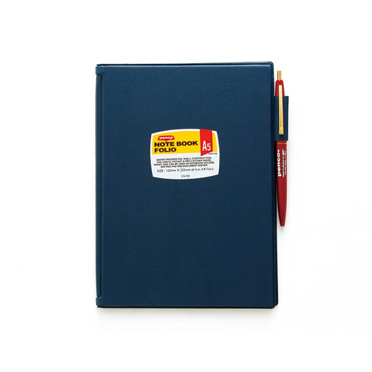 立ったままでも書きやすいハードカバーのノートパッド