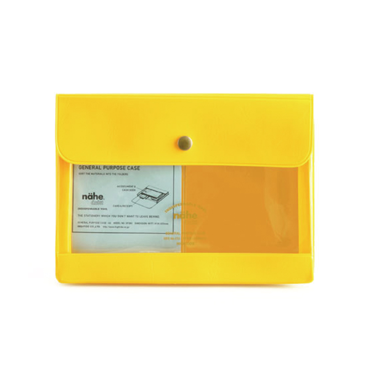 通帳やカード類をまとめて収納、ポストカードの整理にも