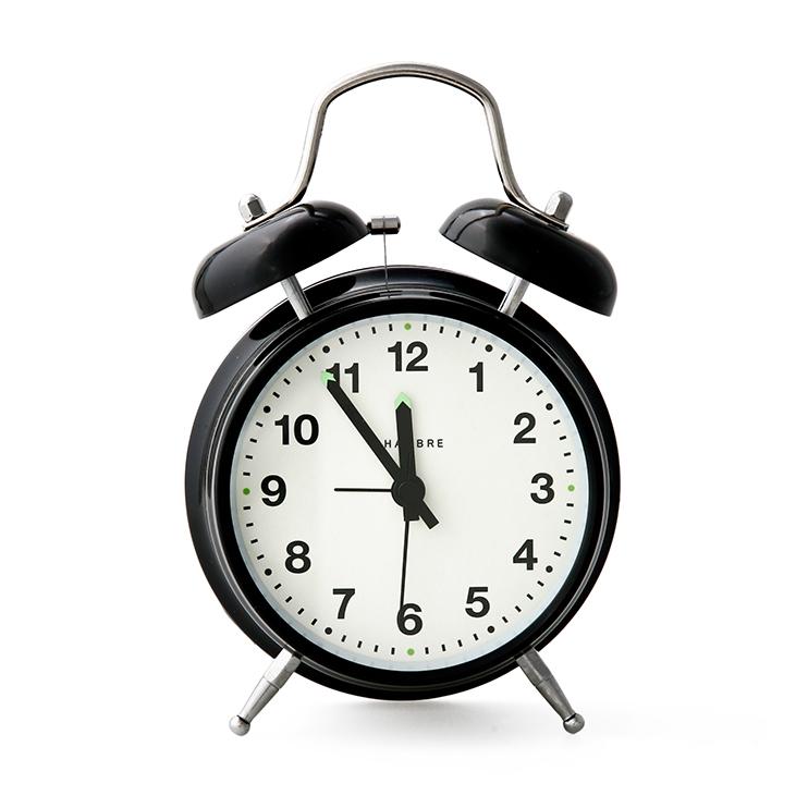 長く愛用したい、古き良きデザインの目覚まし時計