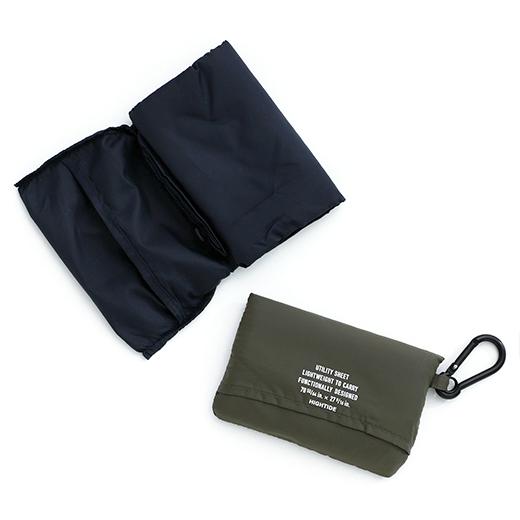 ポケットサイズで持ち運べるレジャーシート / Pocketable and pa…