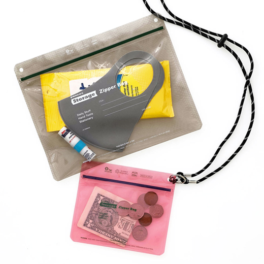 penco × pakeのコラボジッパーバッグ