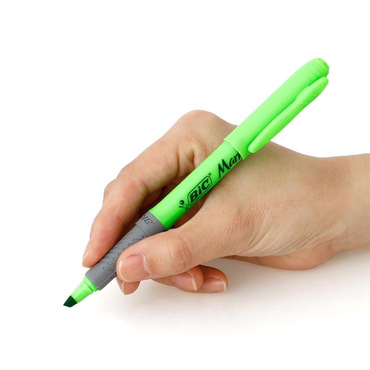 しっかり指にフィットする色鮮やかな蛍光マーカー